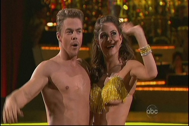Maria Menounos Slip Dancing with the Stars