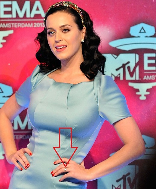 are katy perry and john mayer engaged see the ring