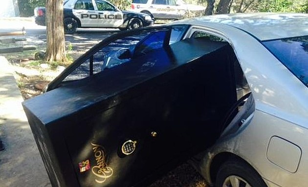 Texas Burglary Suspects Caught When Large Stolen Safe Won't Fit in Small Getaway Car