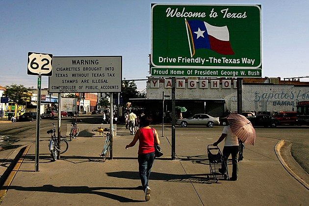 Mexicans Cross Into U.S. Daily For Legal Work